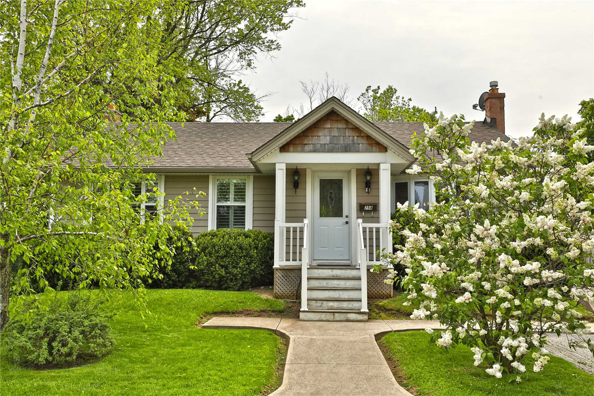 Bungalow in Halton